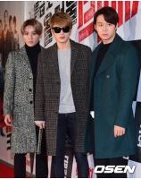 """「JYJ」、映画「ビッグマッチ」VIP試写会に出席""""コートファッションでシックに""""の画像"""