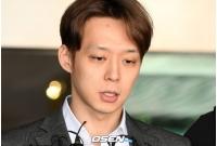 """""""芸能人""""から""""被告人""""となったパク・ユチョンの初公判の画像"""