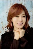 ポッペラ歌手イサベル、「韓流愛の文化祭」で中韓の国歌を歌うの画像