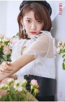 「IZ*ONE」チャン・ウォニョン×宮脇咲良×チョ・ユリ、魅惑的なまなざしの画像