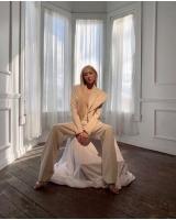 「待っててくれてありがとう」ティファニー(少女時代)、金髪+ホワイトスーツに変身の画像
