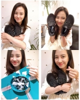 女優ソン・ジヒョ、「MAMAMOO」ソラがプレゼントしたスニーカーを披露=「ありがとう」の画像