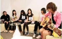 ハロプロ<對東京少女>オーディションを待つ少女たちの画像