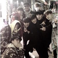 """YG代表ヤン・ヒョンソクと""""子どもたち""""、「iKON」メンバーと夕食後の笑顔溢れる写真が話題の画像"""