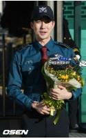 「SS501」キム・ヒョンジュン(マンネ)、感涙の除隊「良い活動で応えていく」の画像