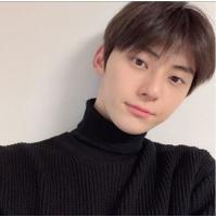 "「NU'EST」ミンヒョン、""完ぺきな美形""写真を公開の画像"