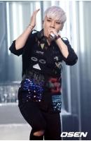 V.I(BIGBANG)にクラブ内「性接待」疑惑… スタッフと交わされたカカオトーク内容公開の画像
