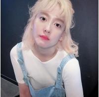 27kg減量の歌手DANA、ゴールドの髪色で注目の画像