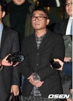 性的暴行疑惑の歌手キム・ゴンモ、検察に送致=捜査開始から108日の画像