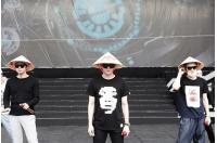 「JYJ」、ベトナム伝統笠をかぶりファン感動の画像