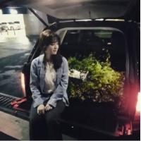 """俳優アン・ジェヒョン、婚約者ク・ヘソンへの""""花束プロポーズ""""が話題=韓国版「花より男子」の女優の画像"""