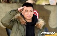 入隊したD-LITE(BIGBANG)、ファンにあいさつ 「愛してます」の画像