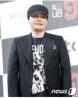 """ヤン・ヒョンソク元YG総括プロデューサー、参考人として""""性接待疑惑""""について聴取の画像"""