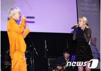 「Red Velvet」スルギ、Zion.Tのショーケースにサプライズ登場「参加できて光栄」の画像
