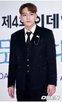 【公式】コンサート中に転落事故…「2PM」Jun.K、肘(ひじ)と指を骨折する重傷の画像
