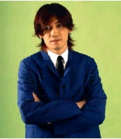 """歌手キム・ジャンフン """"夜のステージ""""に立ったワケの画像"""