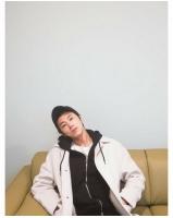 【トピック】「東方神起」ユンホ、気だるそうな姿もセクシーすぎると話題の画像