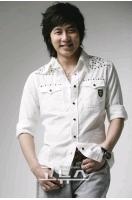 "SHINHWA ""デビュー3000日"" アンディーはMC1周年で""ダブル記念日""の画像"