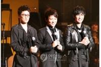 V.O.S東京公演大盛況、ファンと握手で再会約束の画像