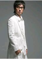 """歌手チョ・ウン """"ひざまずいて""""歌ったそのワケとは?の画像"""