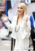 米国デビュー控える「2NE1」CLがニューヨーク出撃、大型イベントMDBPで公演の画像