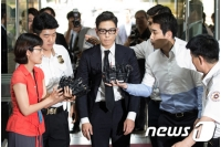 """""""大麻吸煙""""T.O.P(BIGBANG)、補充役判定で義務警察から強制除隊への画像"""