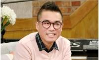 """""""アラフィフ""""キム・ゴンモ、年下ピアニストとの結婚を発表の画像"""