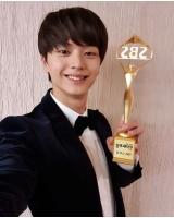 ユク・ソンジェ(BTOB)、「2019 SBS芸能大賞」SNSスター賞受賞「MELODYに感謝」の画像