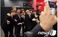 「BTS(防弾少年団)」、本日(9/19)韓国青瓦台で文大統領と対面…「第1回青年の日」記念式典の画像