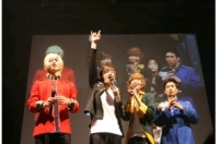 <F.CUZ>が東京で1stショーケース 700人が熱狂の画像