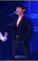 <PARAN>Ryanソロデビューステージで熱唱の画像