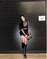 ティファニー(少女時代)、下着&メッシュで破格ファッション…みずみずしい魅惑美の画像