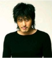 チャン・ドンゴン 13年前のアルバムで歌手デビューの画像
