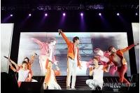 「SHINHWA」のデビュー14周年公演DVD 日本でも発売の画像