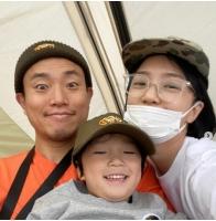 歌手ケリ(Leessang)、家族と行った幸せな春のキャンピング…笑顔いっぱいの画像