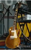 """カンサネの""""54年生まれギター""""の画像"""
